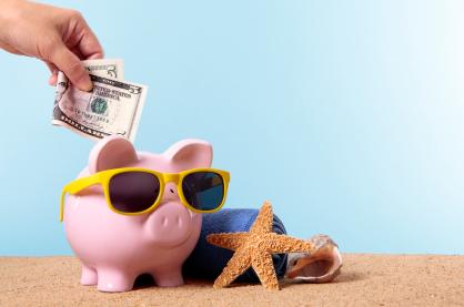 budget-travel-piggy-bank