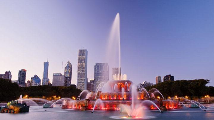buckingham-fountain-chicago-panorama-720x404