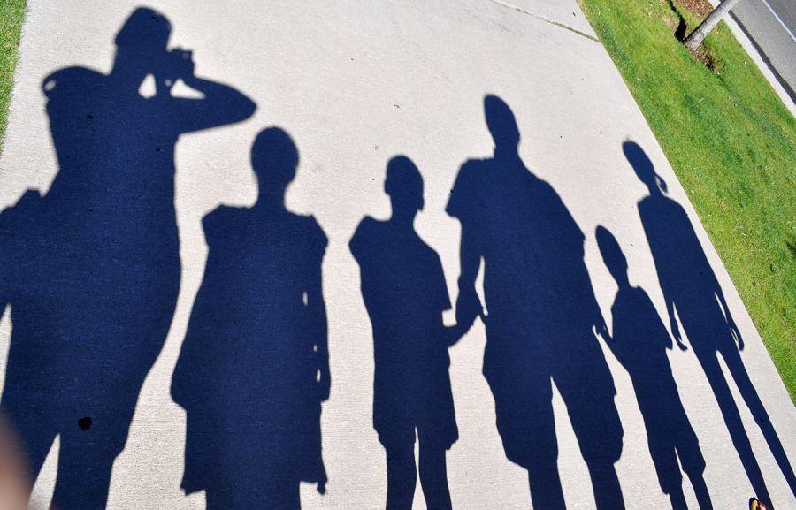 Family_silhouette_shadows_1